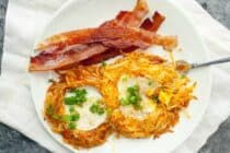 Egg in a Hash Brown Hole: Who needs toast?! You can make an egg in a hole with hash browns! This is your new favorite breakfast! | macheesmo.com