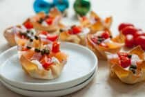 Lox Wonton Cups: These easy wonton cups are the perfect appetizer for a party. Easy to make and really classy. Plus, very delicious! | macheesmo.com