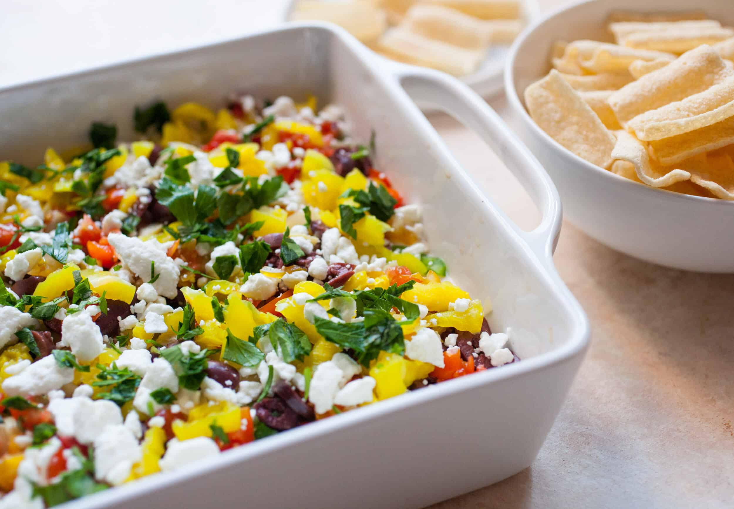 10 Layer Greek Dip: A quick dip that has beautiful colors and flavors. Perfect for a party!   macheesmo.com