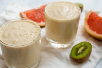 Creamy Citrus Smoothie: This simple smoothie uses fresh kiwi and grapefruit for a nice citrus flavor. It's filling and a perfect way to start the day! | macheesmo.com