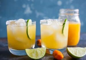 Peach Habanero Margaritas: These margaritas pack a serious punch and are SO addictively spicy. You can't drink them too fast though! The perfect mix of sweet and heat! | macheesmo.com