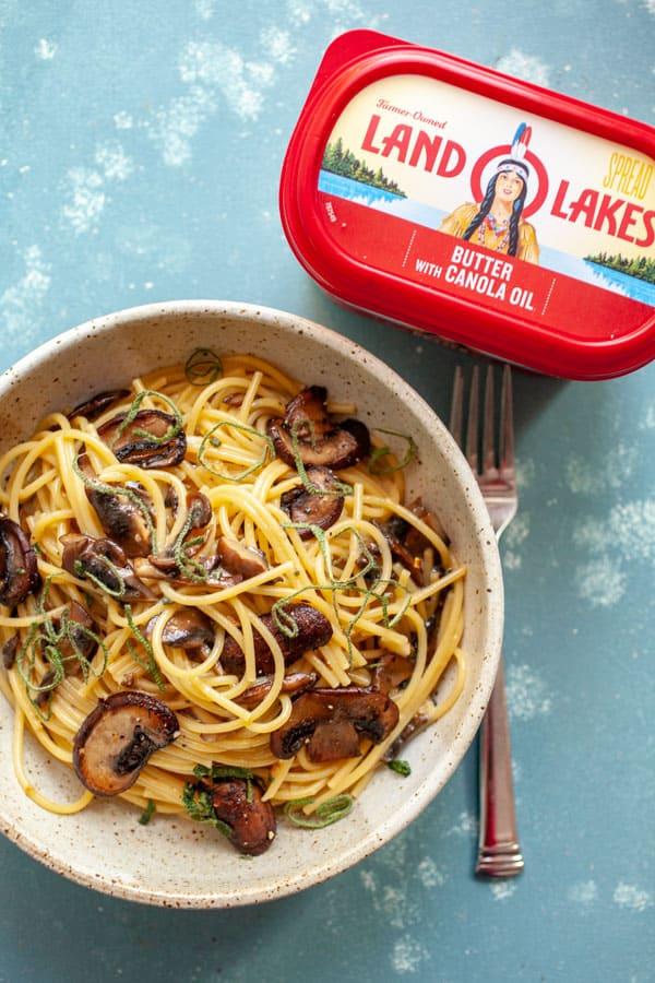How to Make Mushroom Carbonara