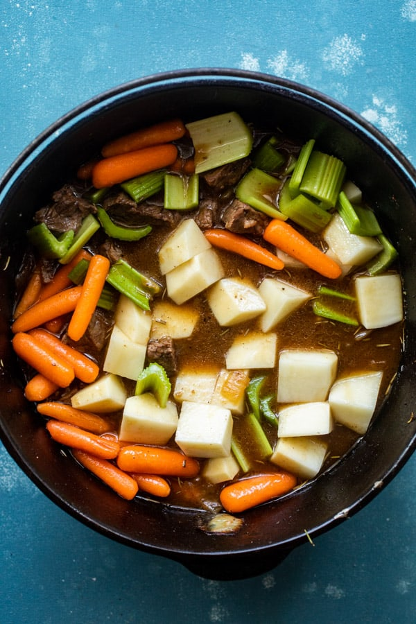 Adding Vegetables to Braised Beef Stew