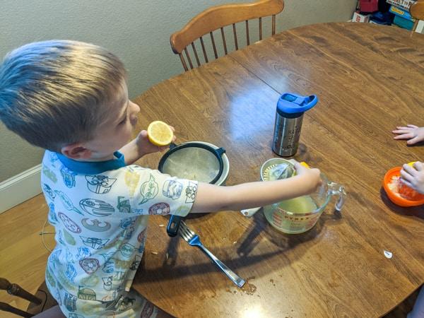 Juicing Lemons for lemonade