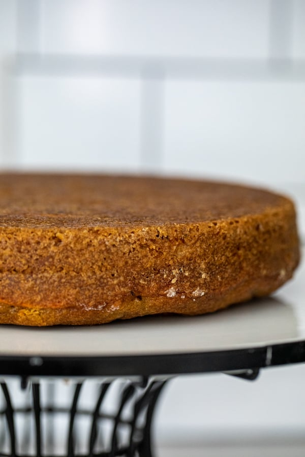 Cake flip tip for making flat cakes.