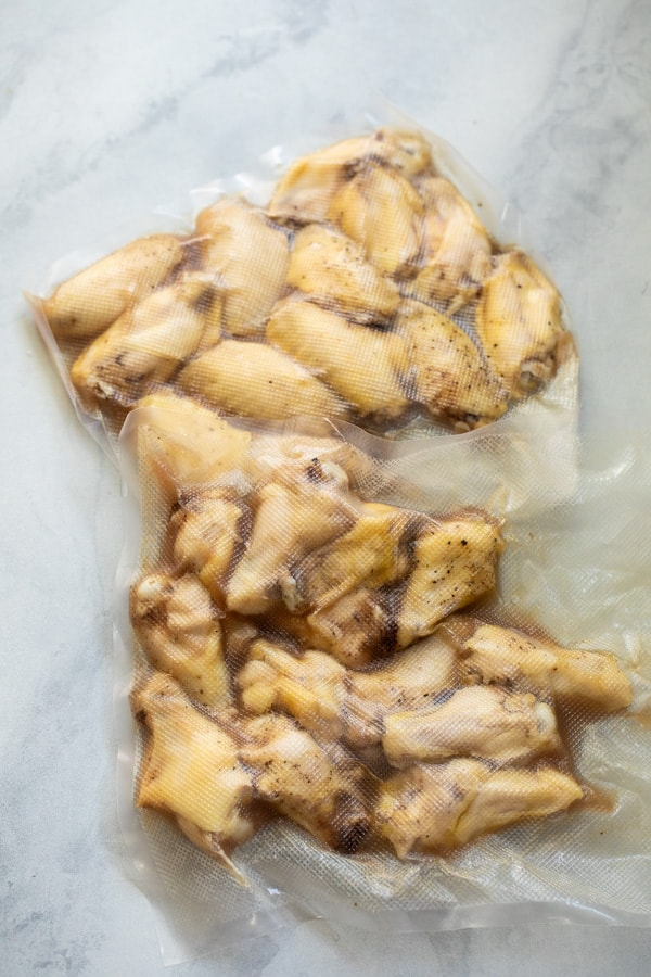 Cooked chicken wings.