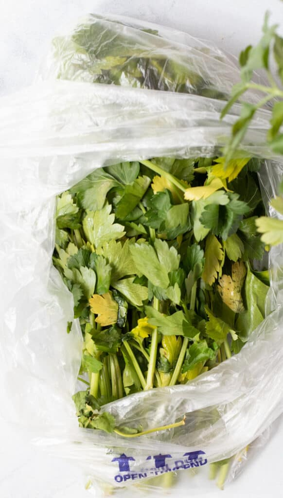 Storing herbs in the bag