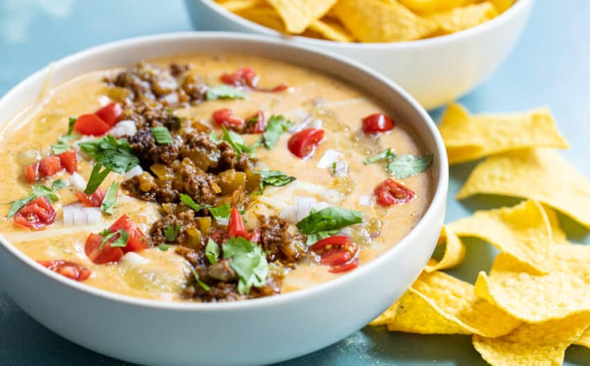 Easy Beef Queso Dip